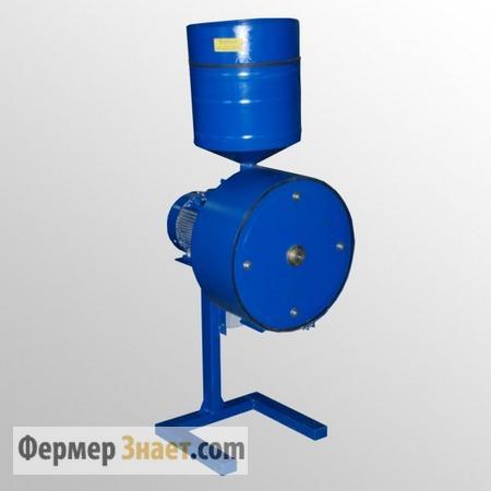 Измельчитель зерна модели ИЗЭ-1000