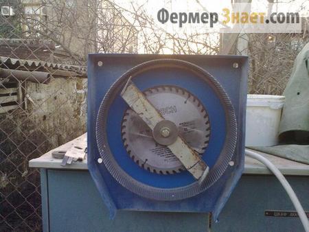 Зернодробилка внутри