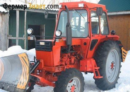 Трактор с бульдозером