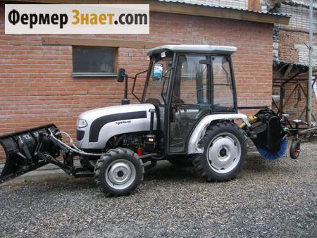Мини-трактор с коммунальным оборудованием