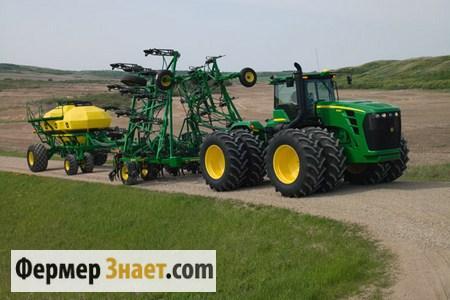 Трактор с прицепным оборудованием